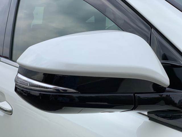 電動格納ウインカーミラー【 電動格納ウインカーミラー 】付いているだけで高級感のUPするウィンカー内臓サイドミラー♪もちろん見た目だけでなく、対向車からの視認性の向上につながり、安全度もUP♪