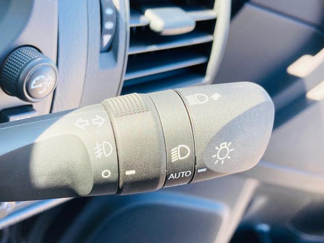 TX 登録済未使用車/衝突軽減ブレーキ/クリアランスソナー/クルーズコントロール/ステアリングスイッチ/オートエアコン/LEDヘッドライト/電動格納ウィンカーミラー/プッシュスタート/スマートキー(9枚目)