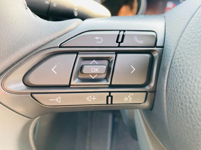 G 純正ディスプレイオーディオ/バックカメラ/衝突軽減ブレーキ/ステアリングスイッチ/アダプティブクルーズコントロール/LEDヘッドライト/電動格納ウィンカーミラー/プッシュスタート/スマートキー(7枚目)