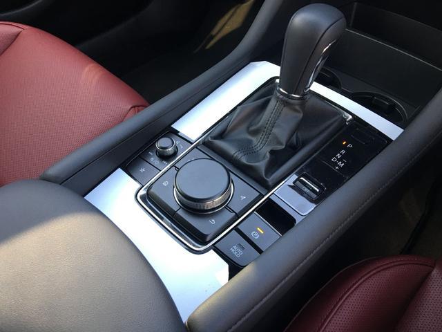 気になる車はすぐにお問い合わせください!右の【グー専用無料ダイヤル】から、専門スタッフがお車のご質問にお答えいたします!