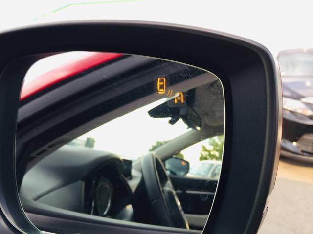 【 BSM 】ブラインドスポットモニター(BSM)が装備されております。左右後方の障害物を検知することで車線変更の際などの不意の衝突を回避することが可能です♪