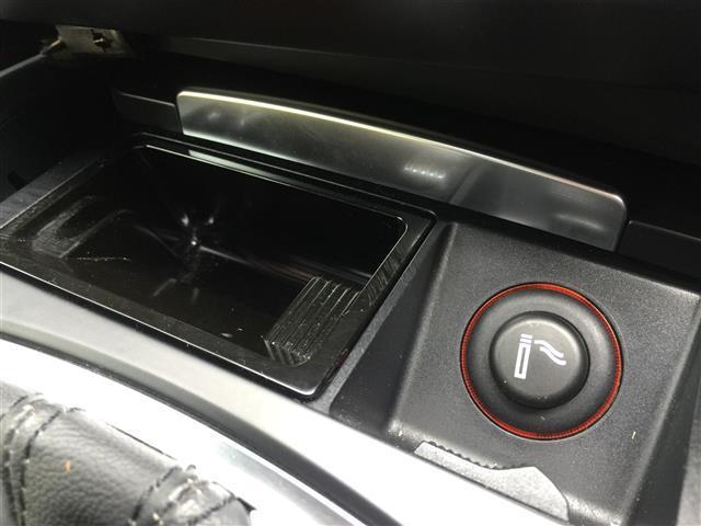 3.2FSIクワトロ 純正ナビ AM FM CD ETC コーナーセンサー プッシュスタート スマートキー スペアキー レザーシート メモリーシート シートヒーター クルーズコントロール MTモード付AT(15枚目)