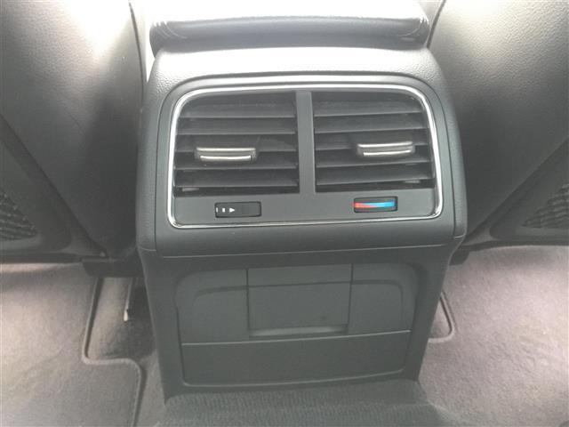 3.2FSIクワトロ 純正ナビ AM FM CD ETC コーナーセンサー プッシュスタート スマートキー スペアキー レザーシート メモリーシート シートヒーター クルーズコントロール MTモード付AT(18枚目)