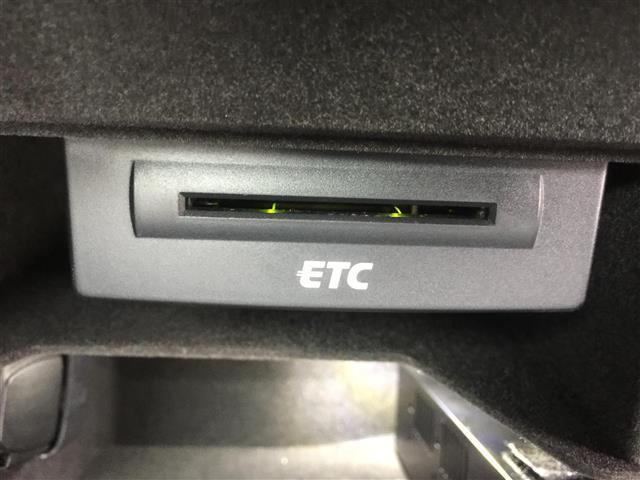 3.2FSIクワトロ 純正ナビ AM FM CD ETC コーナーセンサー プッシュスタート スマートキー スペアキー レザーシート メモリーシート シートヒーター クルーズコントロール MTモード付AT(20枚目)