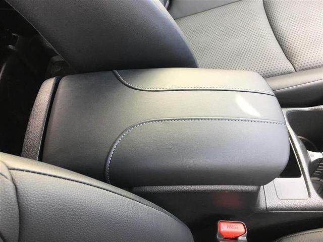 【 フロントシート 】 レザーシート!!広々使えるフロントシートで快適ドライブ♪