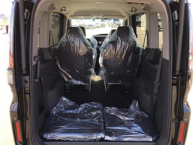 【 ラゲッジスペース 】二列目のシートを倒してあげれば圧巻の広さ!大きいお荷物も乗せられます♪