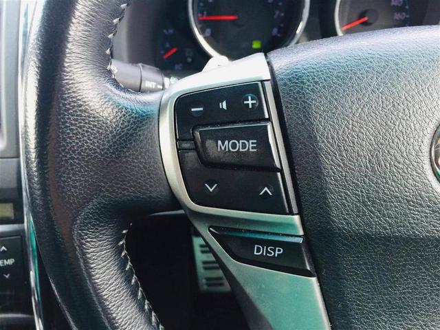 【ステアリングスイッチ】カーナビやカーオーディオ等を操作できます。ハンドルから手を離さずに操作出来ます。