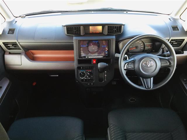 X S 衝突軽減ブレーキ 社外ナビ フルセグテレビ Bluetooth バックカメラ 後席用モニター コーナーセンサー LEDヘッドライト オートライト サンシェード スマートキー アイドリングストップ(3枚目)