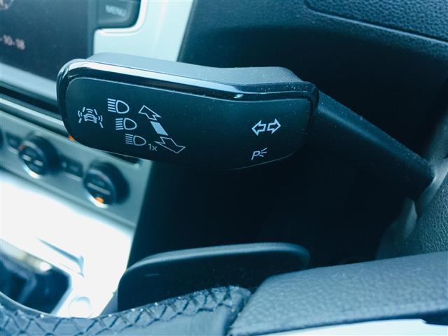 TSIコンフォートライン プリクラッシュブレーキ 純正ナビ Bluetooth バックカメラ レーダークルーズコントロール レーンチェンジアシスト パドルシフト コーナーセンサー LEDヘッドライト オートライト スマートキー(9枚目)