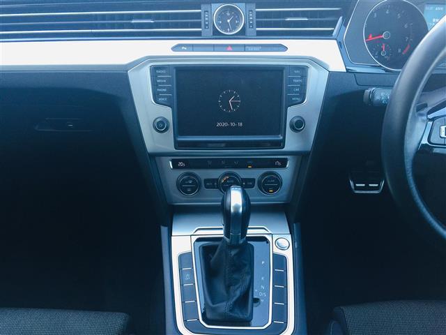 TSIコンフォートライン プリクラッシュブレーキ 純正ナビ Bluetooth バックカメラ レーダークルーズコントロール レーンチェンジアシスト パドルシフト コーナーセンサー LEDヘッドライト オートライト スマートキー(13枚目)