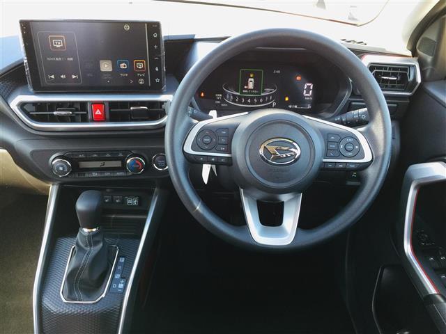 G 衝突軽減ブレーキ 全方位カメラ 純正液晶オーディオ フルセグテレビ シートヒーター LEDヘッドライト フォグライト コーナーセンサー 純正17インチアルミ スマートキー クルーズコントロール(4枚目)