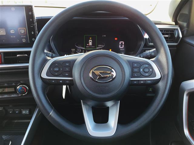 G 衝突軽減ブレーキ 全方位カメラ 純正液晶オーディオ フルセグテレビ シートヒーター LEDヘッドライト フォグライト コーナーセンサー 純正17インチアルミ スマートキー クルーズコントロール(5枚目)