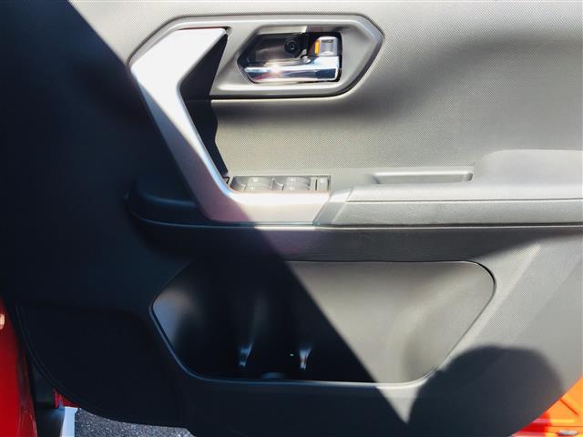 G 衝突軽減ブレーキ 全方位カメラ 純正液晶オーディオ フルセグテレビ シートヒーター LEDヘッドライト フォグライト コーナーセンサー 純正17インチアルミ スマートキー クルーズコントロール(12枚目)