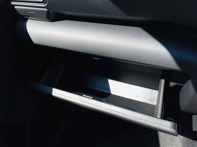 G 衝突軽減ブレーキ 全方位カメラ 純正液晶オーディオ フルセグテレビ シートヒーター LEDヘッドライト フォグライト コーナーセンサー 純正17インチアルミ スマートキー クルーズコントロール(19枚目)