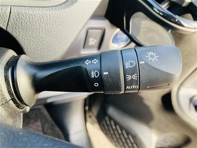 Si 衝突軽減ブレーキ 純正ナビ DVD フルセグテレビ Bluetooth バックカメラ 両側電動スライドドア 革調シートカバー オートハイビーム 純正16インチアルミホイール ETC 社外グリル(9枚目)