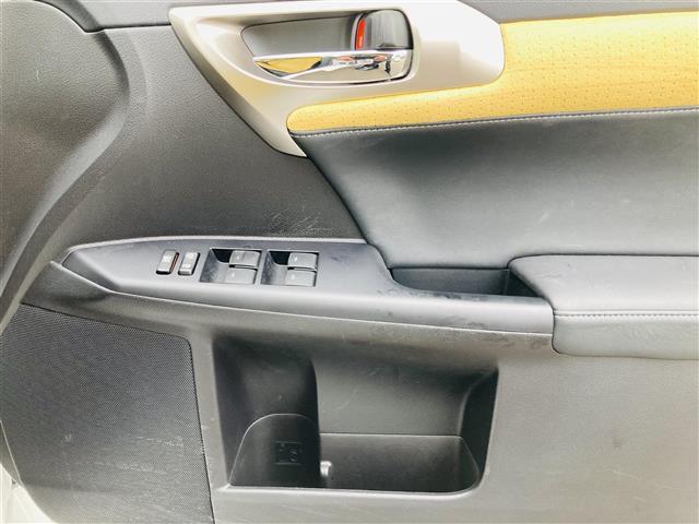 Lexus Safety System +/プリクラッシュセーフティ/レーントレーシングアシスト/レーンキーピングアシスト/レーンディパーチャーアラート/アダプティブハイビームシステム(14枚目)