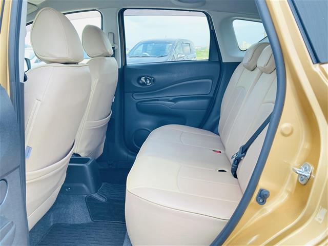 e-パワー X 1オーナー エマージェンシーブレーキ 純正CDオーディオAUX付き レザー調シートカバー 革巻きステアリンング プッシュエンジンスタート ドライブレコーダー スマートキー オートライト ETC(10枚目)
