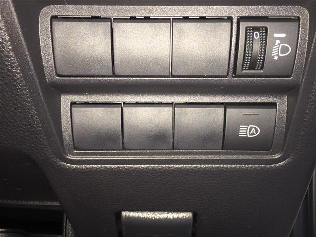 ハイブリッドZ 登録済未使用車 8型ディスプレイオーディオ(15枚目)