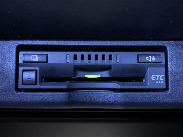 プレミアム 後期型 トヨタセーフティセンスP 純正SDナビ バックカメラ インテリジェントクリアランスソナー パワーバックドア ドライブレコーダー パワーシート シーケンシャル ETC ハーフレザーシート(7枚目)