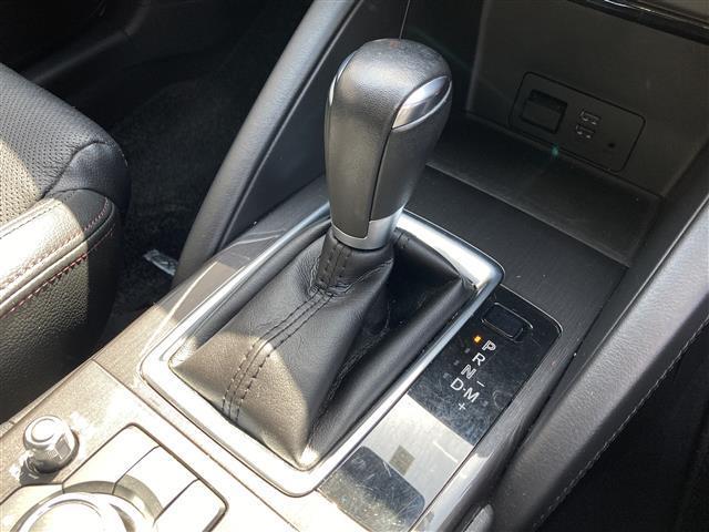 XD Lパッケージ BOSEサウンドシステム レーダークルーズコントロール 車間認知視線 衝突軽減ブレーキ BSM レーンキープアシスト パーキングセンサー マツダコネクトナビ シートヒーター LEDヘッドライト(14枚目)