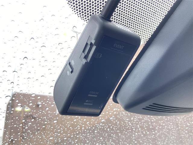 S スタイルブラック セーフティセンス LEDヘッドランプパッケージ ビューティーパッケージ 衝突軽減ブレーキ  純正SDナビ バックカメラ シートヒーター オートマチックハイビーム ドライブレコーダー クリアランスソナー(8枚目)