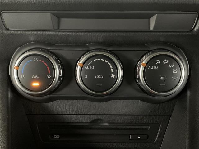 XD スマートシティブレーキサポート BSM コーナーセンサー マツダコネクトナビ レーンキープアシスト 革巻きステアリング ステアリングスイッチ オートライト バックカメラ ETC LEDヘッドライト(13枚目)
