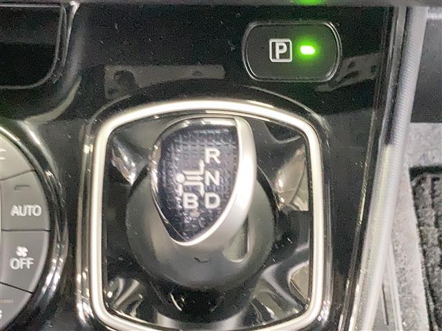 ハイブリッドZS 純正9型ナビ バックカメラ セーフティセンス プリクラッシュセーフティ レーンディパーチャーアラート オートハイビーム シートヒーター クルーズコントロール リアオートエアコン LEDライト ETC(8枚目)