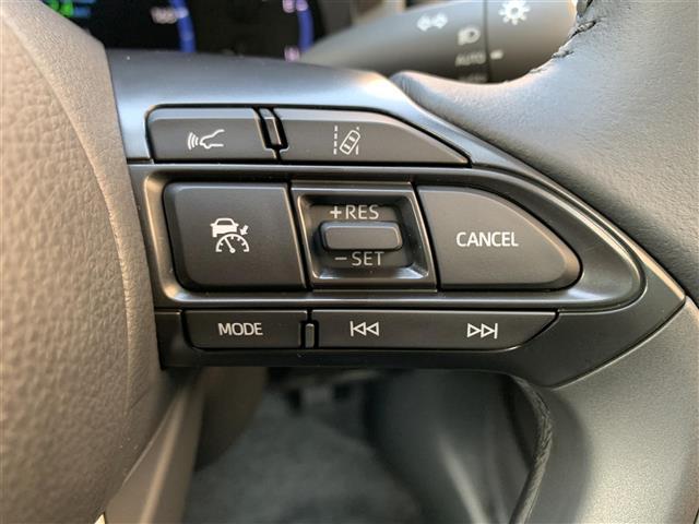 Z 登録済み未使用車 8型ディスプレイオーディオ バックカメラ ブラインドスポットモニター リヤクロストラフィックオートブレーキ 衝突軽減ブレーキ レーントレーシングアシスト シートヒーター パワーシート(9枚目)