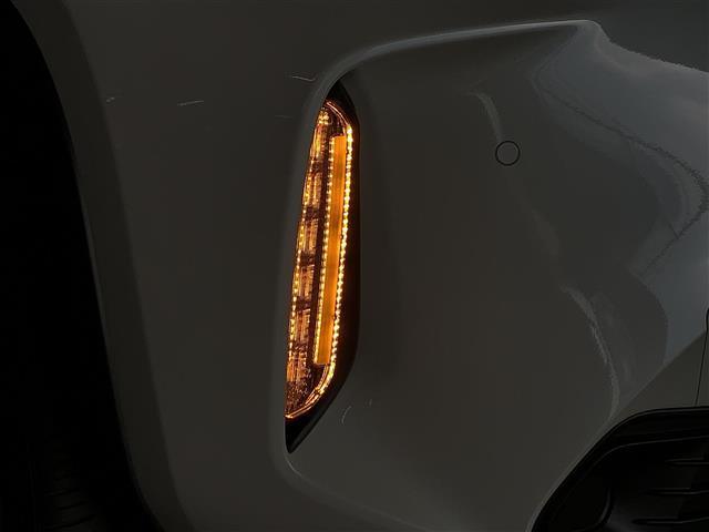 Z 登録済み未使用車 8型ディスプレイオーディオ バックカメラ ブラインドスポットモニター リヤクロストラフィックオートブレーキ 衝突軽減ブレーキ レーントレーシングアシスト シートヒーター パワーシート(25枚目)