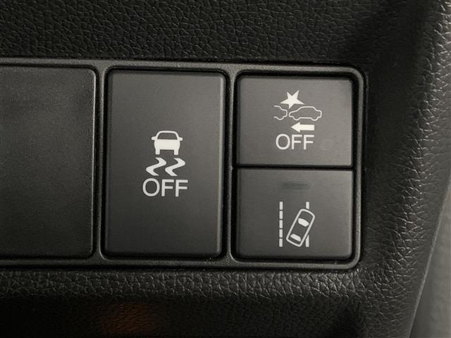 スパーダ ホンダセンシング 衝突軽減ブレーキ 路外逸脱抑制システム レーンキープアシストシステム 標識認識機能 社外ナビ バックカメラ 両側パワースライドドア ビルトインETC フルセグTV視聴可能 Bluetooth対応(3枚目)