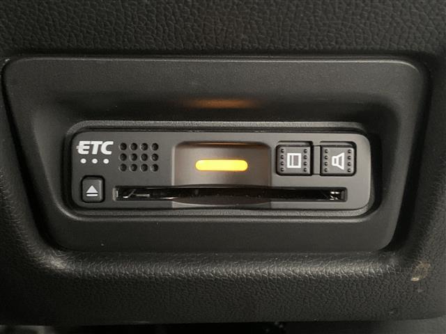 スパーダ ホンダセンシング 衝突軽減ブレーキ 路外逸脱抑制システム レーンキープアシストシステム 標識認識機能 社外ナビ バックカメラ 両側パワースライドドア ビルトインETC フルセグTV視聴可能 Bluetooth対応(7枚目)