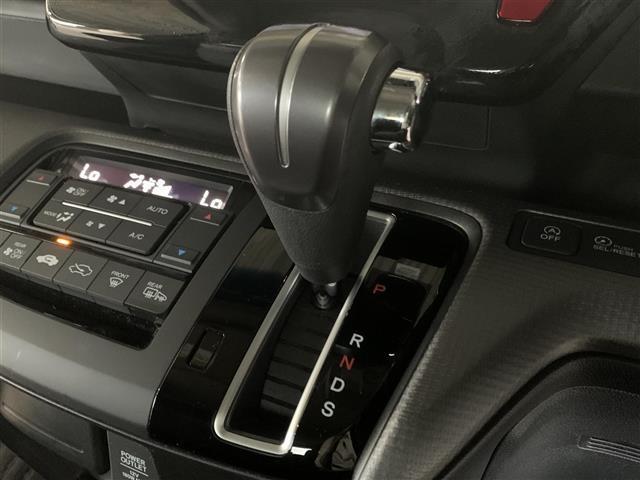 スパーダ ホンダセンシング 衝突軽減ブレーキ 路外逸脱抑制システム レーンキープアシストシステム 標識認識機能 社外ナビ バックカメラ 両側パワースライドドア ビルトインETC フルセグTV視聴可能 Bluetooth対応(13枚目)