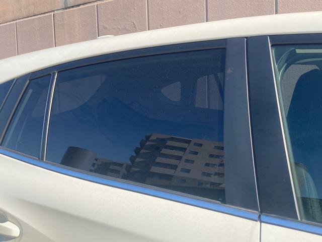 当店おすすめ【ボディガラスコーティング艶プラス】吸い込まれるほどの深い艶が約3年間持続!ガラス系のコーティングでありながら、強力な撥水性能を併せ持ちます。しかも普段のお手入れは水洗いだけ!