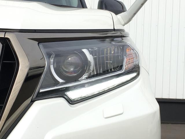TX Lパッケージ 70thアニバーサリーリミテッド 登録済み未使用車 専用ルーフレール 専用レザーシート シートヒーター シートエアコン パワーシート セーフティセンス 衝突軽減ブレーキ レーンディパーチャーアラート レーダークルーズコントロール(15枚目)