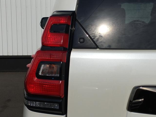 TX Lパッケージ 70thアニバーサリーリミテッド 登録済み未使用車 専用ルーフレール 専用レザーシート シートヒーター シートエアコン パワーシート セーフティセンス 衝突軽減ブレーキ レーンディパーチャーアラート レーダークルーズコントロール(36枚目)