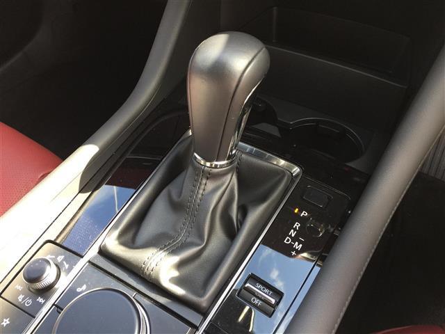 Xバーガンディ セレクション BOSEサウンドシステム 360度セーフティパッケージ レザーシート シートヒーター パワーシート 360度カメラ レーダークルーズコントロール ブラインドスポットモニタリング ビルトインETC(11枚目)