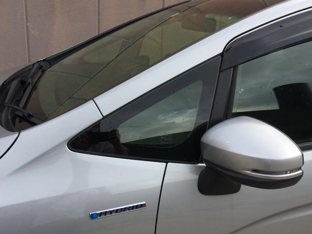 ハイブリッド ホンダセンシング ホンダセンシング  社外メモリナビ アイドリングストップ ETC プラズマクラスター付オートエアコン 横滑り防止装置 プッシュスタート スマートキー 電動格納ミラー フロアマット ドアバイザー(37枚目)