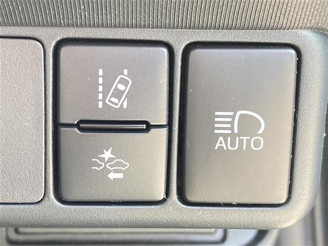 S トヨタセーフティセンス LEDヘッドライト 純正ナビ バックカメラ シートヒーター 地デジTV 衝突軽減ブレーキ レーンディパーチャーアラート オートマチックハイビーム スペアキー プッシュスタート(5枚目)