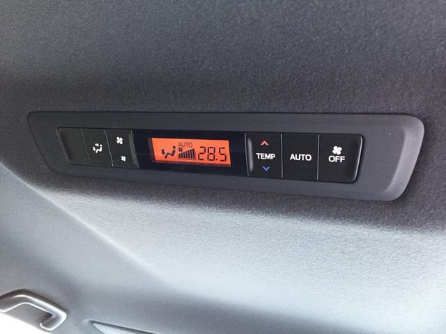 Gi 登録済み未使用車 トヨタセーフティセンス 衝突軽減ブレーキ レーンディパーチャーアラート オートマチックハイビーム レザーシート シートヒーター 両側電動スライドドア リアオートエアコン LEDライト(13枚目)