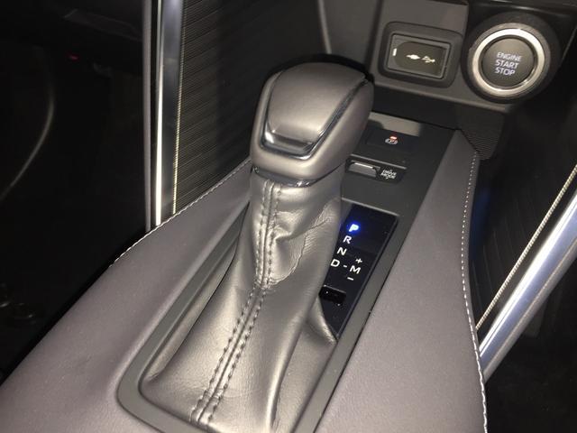 G 登録済み未使用車 8型ディスプレイオーディオ バックカメラ デジタルインナーミラー リヤクロストラフィックオートブレーキ BSM エンブレム付ドアミラー足元照明 セーフティセンス 衝突軽減 LED(12枚目)
