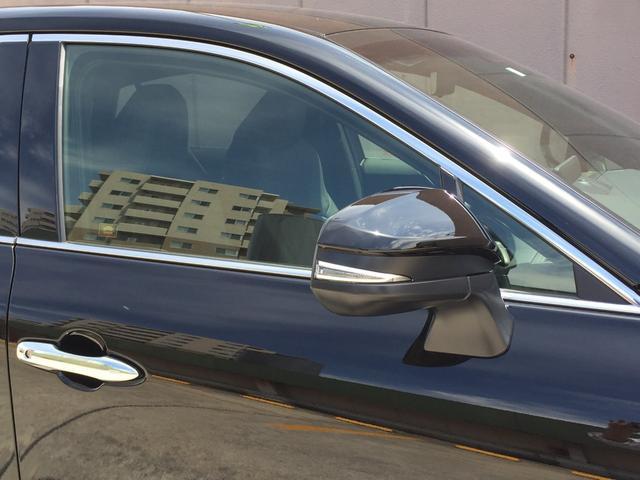 G 登録済み未使用車 8型ディスプレイオーディオ バックカメラ デジタルインナーミラー リヤクロストラフィックオートブレーキ BSM エンブレム付ドアミラー足元照明 セーフティセンス 衝突軽減 LED(26枚目)