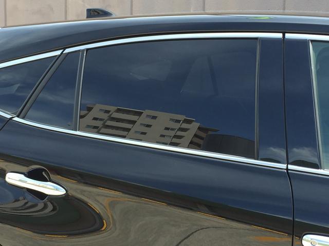 G 登録済み未使用車 8型ディスプレイオーディオ バックカメラ デジタルインナーミラー リヤクロストラフィックオートブレーキ BSM エンブレム付ドアミラー足元照明 セーフティセンス 衝突軽減 LED(27枚目)