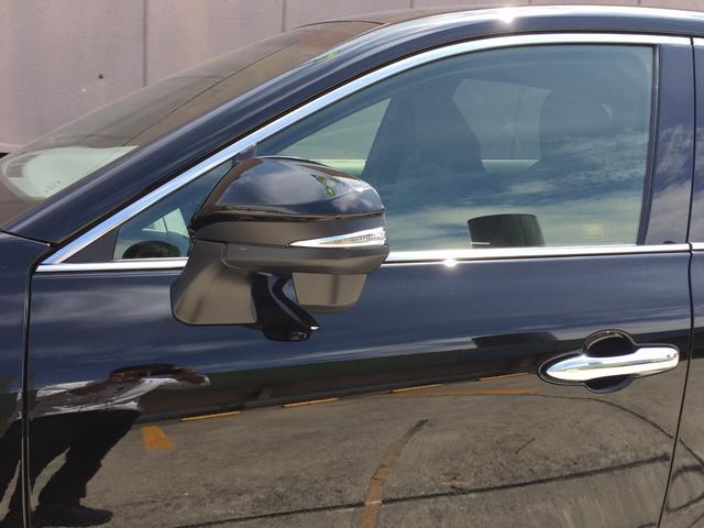 G 登録済み未使用車 8型ディスプレイオーディオ バックカメラ デジタルインナーミラー リヤクロストラフィックオートブレーキ BSM エンブレム付ドアミラー足元照明 セーフティセンス 衝突軽減 LED(37枚目)