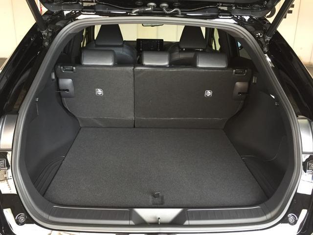 G 登録済み未使用車 8型ディスプレイオーディオ バックカメラ デジタルインナーミラー リヤクロストラフィックオートブレーキ BSM エンブレム付ドアミラー足元照明 セーフティセンス 衝突軽減 LED(62枚目)