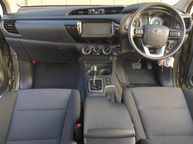 X 登録済み未使用車 4WD ディーゼル ターボ リアチップアップシート 寒冷地仕様 ウインドシールドデアイサー リヤフォグランプ スペアキー 排ガス浄化装置 アイドリングストップ センターデフロック(2枚目)