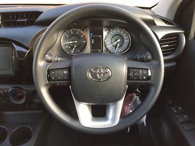 X 登録済み未使用車 4WD ディーゼル ターボ リアチップアップシート 寒冷地仕様 ウインドシールドデアイサー リヤフォグランプ スペアキー 排ガス浄化装置 アイドリングストップ センターデフロック(6枚目)