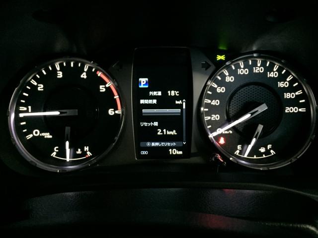 X 登録済み未使用車 4WD ディーゼル ターボ リアチップアップシート 寒冷地仕様 ウインドシールドデアイサー リヤフォグランプ スペアキー 排ガス浄化装置 アイドリングストップ センターデフロック(9枚目)