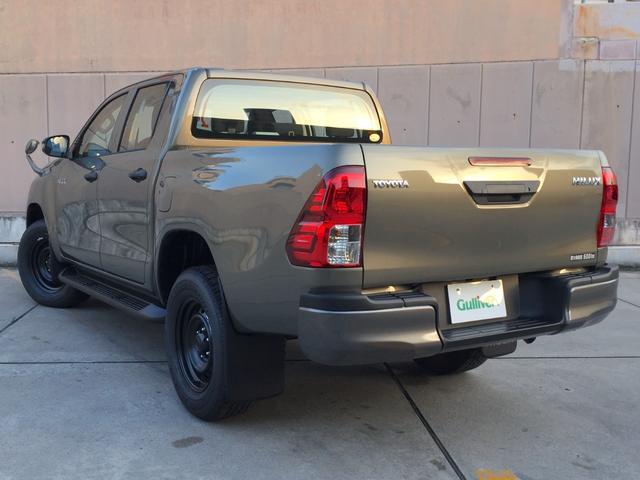 X 登録済み未使用車 4WD ディーゼル ターボ リアチップアップシート 寒冷地仕様 ウインドシールドデアイサー リヤフォグランプ スペアキー 排ガス浄化装置 アイドリングストップ センターデフロック(20枚目)