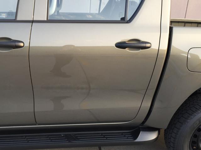 X 登録済み未使用車 4WD ディーゼル ターボ リアチップアップシート 寒冷地仕様 ウインドシールドデアイサー リヤフォグランプ スペアキー 排ガス浄化装置 アイドリングストップ センターデフロック(41枚目)
