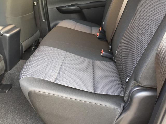 X 登録済み未使用車 4WD ディーゼル ターボ リアチップアップシート 寒冷地仕様 ウインドシールドデアイサー リヤフォグランプ スペアキー 排ガス浄化装置 アイドリングストップ センターデフロック(71枚目)